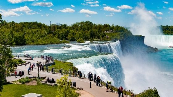 Niagara falls, Which Side is Better US or Canada